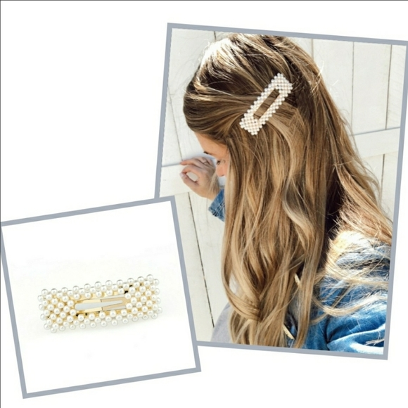 Clutch Your Pearls Barrette